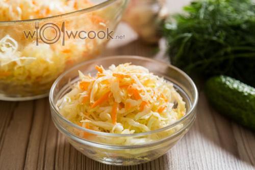 Салат из капусты с уксусом и маслом быстрого приготовления. Салат из свежей капусты с уксусом как в столовой