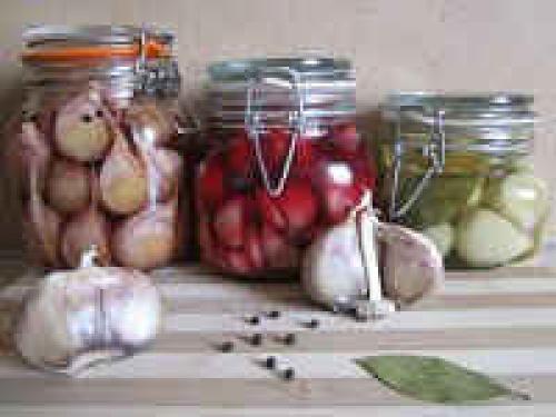 Как мариновать чеснок на зиму в домашних условиях — рецепты зубчиками и головками