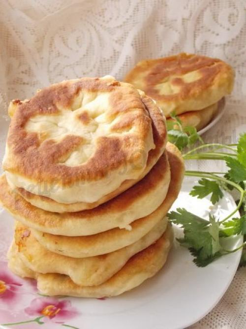 Лепешки на кефире с картошкой и сыром рецепт на сковороде с. Лепёшки на кефире с картошкой и сыром