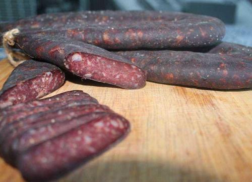 Пошаговый фото рецепт того, как приготовить суджук из говядины в домашних условиях