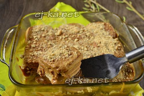 Торт из печенья и сгущенки и сметаны без выпечки. Торт из печенья со сгущенкой