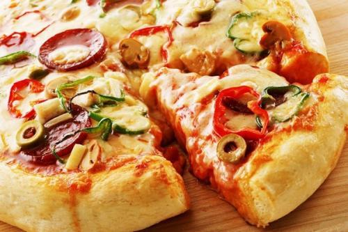 Тесто для пиццы дрожжевое пышное. Пышная домашняя пицца
