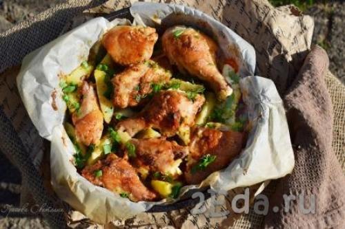 Курица кусочками с картошкой в духовке рецепт. Курица кусочками с картошкой в духовке