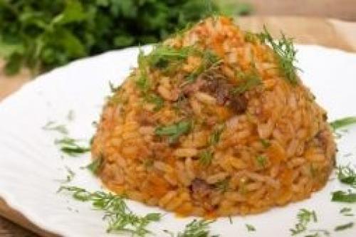 Рис с тушенкой и томатной пастой. РЕЦЕПТ ПЛОВА С ТУШЕНКОЙ