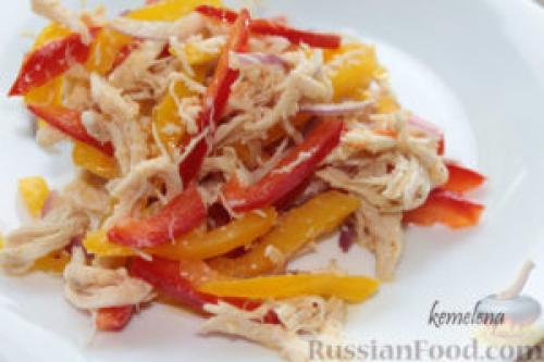 Салат с курицей и сыром и болгарским перцем и. Салат с курицей и перцем рецепты приготовления