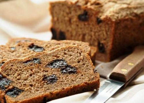 Ржаной хлеб с черносливом