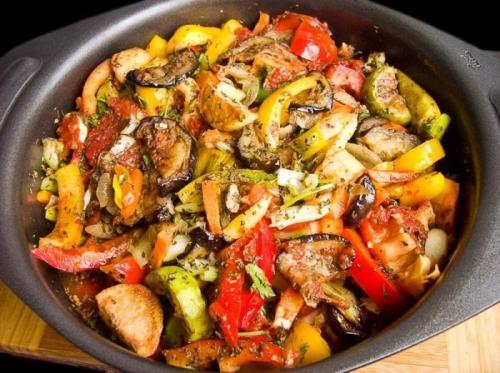 Запеченные овощи по грузински. Что такое «аджапсандал»