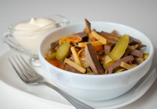 Салат слоеный с сердцем свиным. Рецепт слоеного салата с грибами