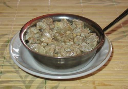 Баклажаны тушеные в сливочном соусе. Баклажаны в сливках («псевдогрибы»)