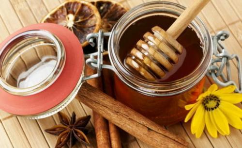 Рецепт глинтвейна с медом и лимоном. Рецепты приготовления глинтвейнов с медом и корицей