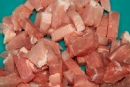 Азу с солеными огурцами. Азу из свинины с солеными огурцами и картофелем