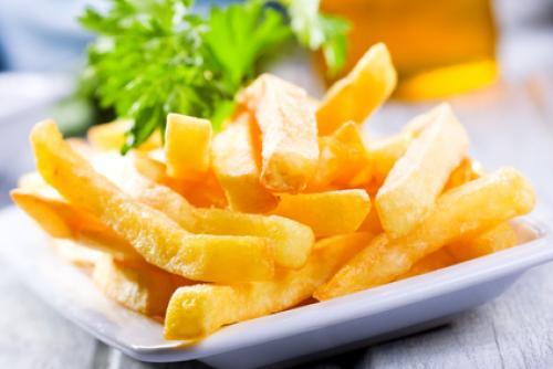 Жареная картошка с томатной пастой.