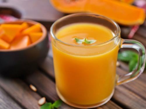 Сок из тыквы на зиму в банки. Все думали, что пьют абрикосовый сок с мякотью. Но это был обалденно вкусный тыквенный сок